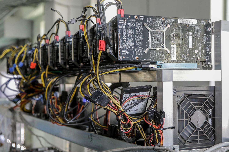 darbo pradžia su bitcoin mining)
