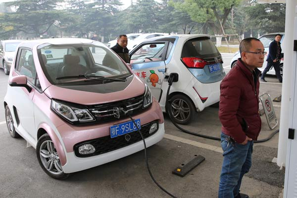China announces plans to end sales of petrol and diesel cars