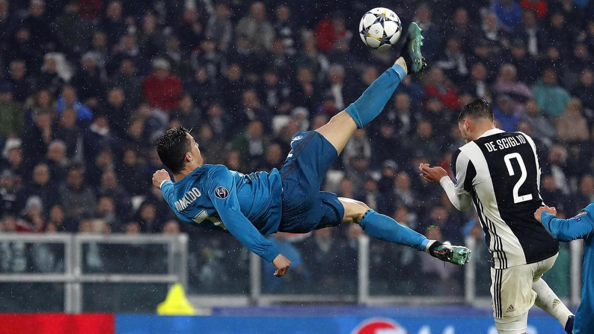 cristiano ronaldo overhead kick goal to juventus ile ilgili görsel sonucu