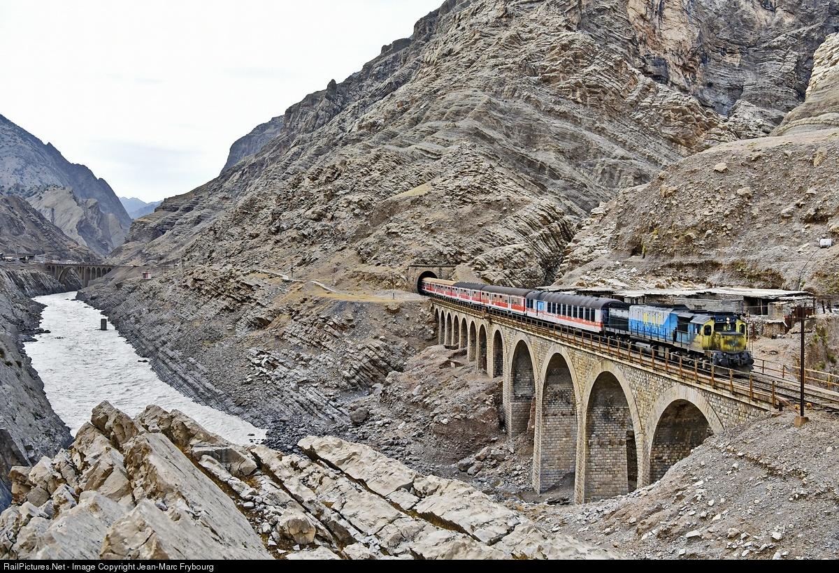 Trans-Iranian Railroad in Line for Global Status | Financial Tribune