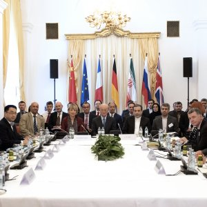 Iran Wants EU to Present Economic Package Compensating US JCPOA Withdrawal