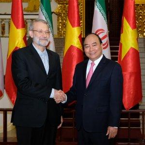 Vietnam's PM, Larijani Explore Ways to Strengthen Economic Ties