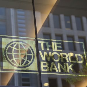 The World Bank believes lack of job creating growth will continue to pose an important challenge to Iran.