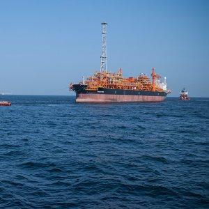 SP Oil Layer Loads 19th Cargo