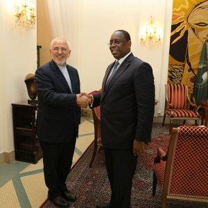 Iranian Foreign Minister Mohammad Javad Zarif (L) and Senegalese President Macky Sall, Dakar, Senegal, April 9