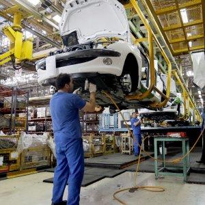 Renault, PSA in Marathon Talks to Maintain Iran Operations