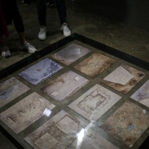 Bahman Kiarotasmi Holds Photo Exhibit