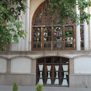 4 Historic Mansions in East Azarbaijan Up for Auction