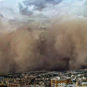 Scheme Set in Motion to  Restrain Dust in Tehran