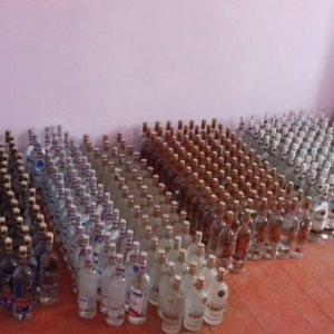 Azerbaijan Detains Alcohol Smugglers Crossing Into Iran Border