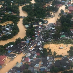 Worst Floods in Decades Hit Malaysia