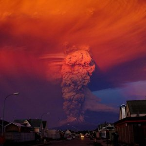 Calbuco Erupts for 1st Time in 42 Years