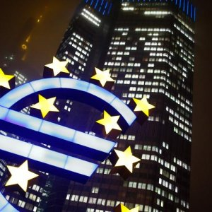 Eurozone Inflation Zero as Unemployment Falls