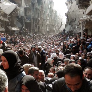IS Takes 90 Percent of  Damascus Refugee Camp