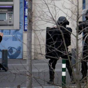 Paris Hostage Drama Ends, No Victims