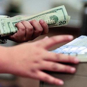 US Consumer Spending Weakest Since 2009