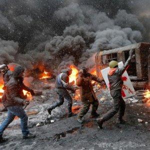 40 Killed in E. Ukraine