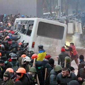 15 Killed in East Ukraine