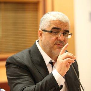 Ex-President Criticized for Defending Deputy