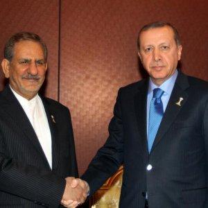 Tehran, Ankara Make Efforts to Remove Differences
