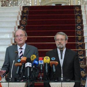 Tehran, Dublin Review Economic Opportunities