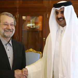 Qatari Emir Urges Regional Dialogue