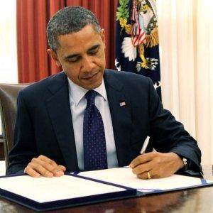 US Congress Iran Bill Signed Into Law