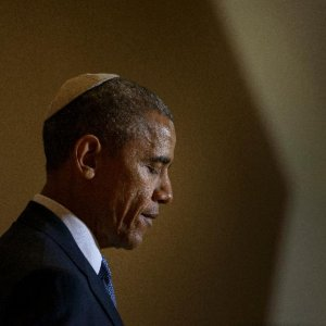 Obama Pitches Nuclear Pact to US Jews