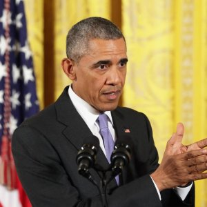 Obama Urges Lobbying for Nuclear Pact