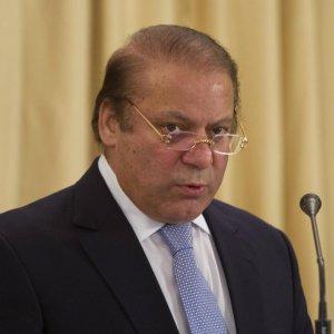 Pakistan PM Intends to Heal Tehran-Riyadh Rift