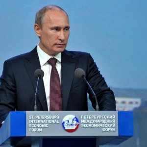 Putin Hopes for Early Iran Deal