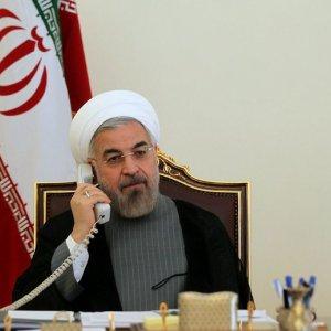 Rouhani, Hollande Explore Ties