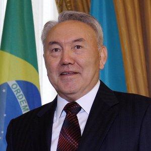 Rouhani, Nazarbayev Confer