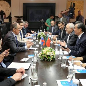 Zarif, Lavrov, Wang Discuss Region,  Nuclear Issue