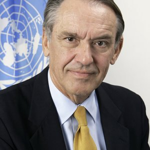 UN's Eliasson to Be Honored in Tehran