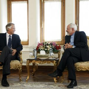 Former French PM Calls on Zarif, Velayati