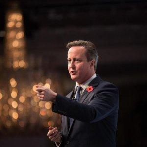 Cameron Woos Polish, Danish Leaders Over EU Reforms
