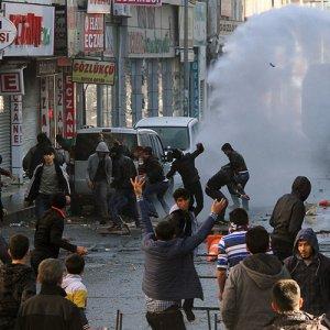 "EU Calls for ""Immediate Ceasefire"" in Turkey's Kurdish Southeast"
