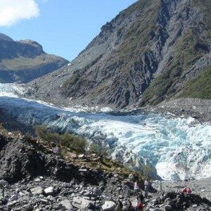 7 Die in NZ  Helo Crash