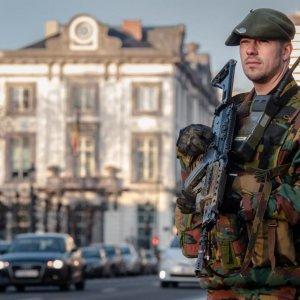 Belgium Arrests 16 Suspects,  France Intensifies Syria Strikes