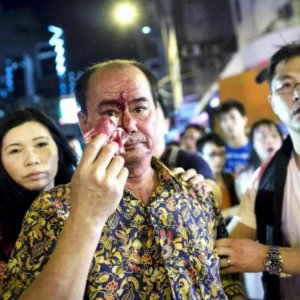 Bloody Street Clashes Reignite in Hong Kong