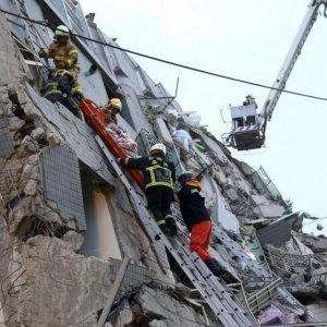 Taiwan Quake: 120 Still Trapped in Ruins