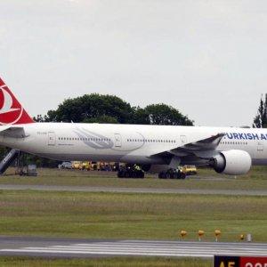 Turkish Plane Diverted Over Bomb Threat