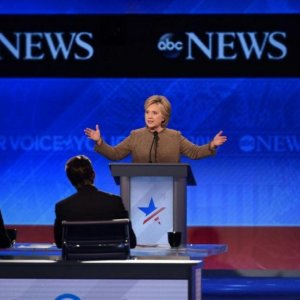 Clinton, Sanders Spar in Fierce Democratic Debate
