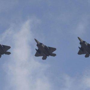 US F-22 Jets Fly Over S. Korea Amid N. Korea Standoff