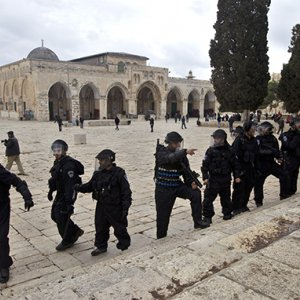 Muslims Urged to Defend Al-Aqsa
