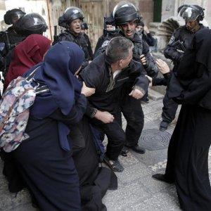 Israeli Police Storm Al-Aqsa for Third Day