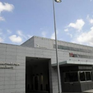 Azerbaijan Police Raid US-Run Radio Station