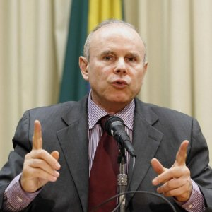 Brazil Finance Minister Not to Stay in Job