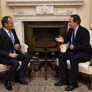 EU, Cameron Extend Brexit Talks